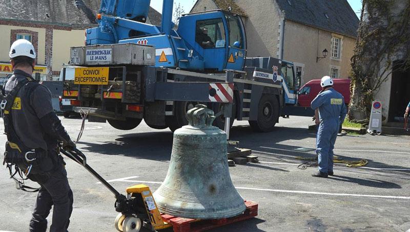 Bodet Campanaire - Bessé-sur-Braye  La cloche s'est envolée